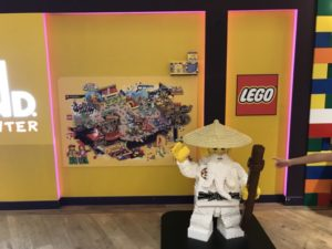 レゴランド東京 お台場 ダイバシティー 入口 レゴ人形