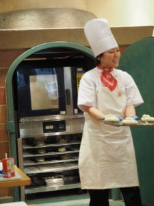 親子パン作り教室 アンパンマン 発酵