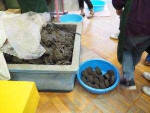 親子のフリーゾーン 土粘土置き場
