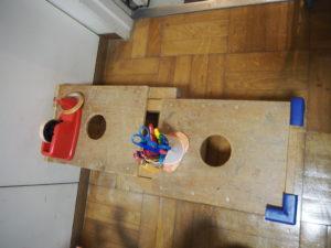 親子のフリーゾーン クラフトコーナー テーブル