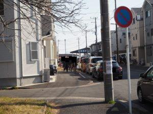金沢漁港 海産物フェスタ 駐車場の列